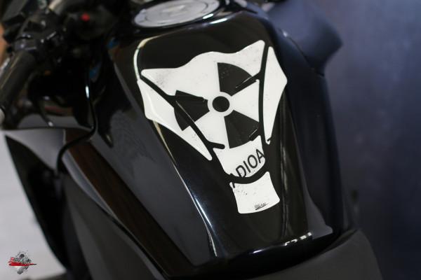 Tankpad Radioactive White Form 15